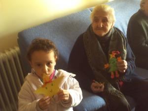 A los abuelitos y a las abuelitas les encantaron nuestros regalos